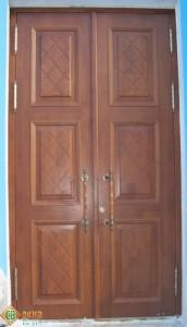 Дверь деревянная входная, материал Дуб.
